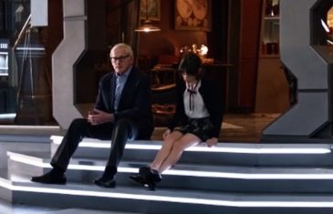LoT s02e10, martin and his daughter sit and talk together in waverider