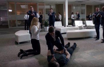 Ava Sharpe hit Ray and Sara raise her hand against the time bureau