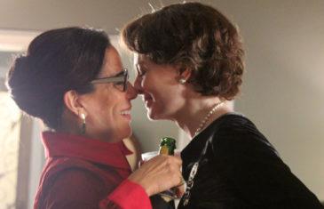 Reaching For The Moon 2013, lesbian film, lesbian women kiss scene